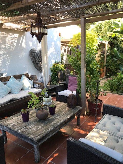 Encatadora Casa Esquinera con jardín privado