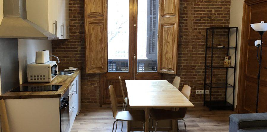 Alquiler de piso fantástico para 9 personas con Limpieza y gastos de Internet, luz y gas incluido.