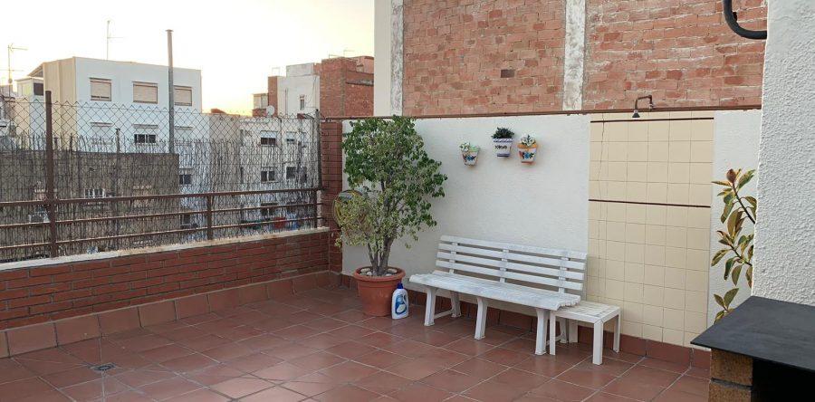Luminoso ático con terraza